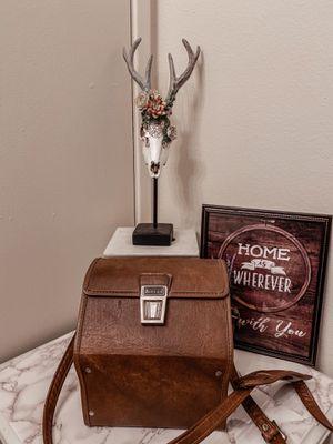Vintage brown leather camera bag /strap for Sale in Los Angeles, CA