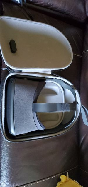 Oculus quest 64gb for Sale in Sunnyvale, CA