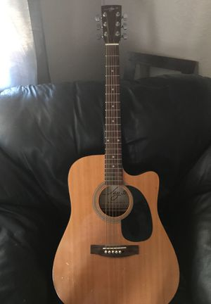 Acoustic JAY JR guitar has stand and original case for Sale in Oroville, CA