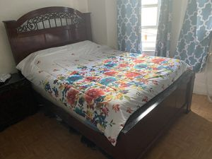 Queen bed for Sale in Yonkers, NY