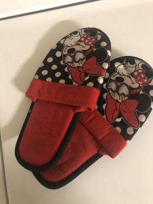 Minnie Mouse girls slippers size 2-3 for Sale in Castro Valley, CA