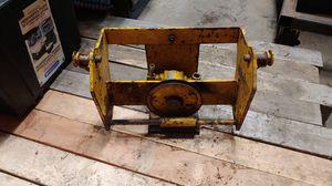 Hydraulic pump and bracket john deere johnson for Sale in Renton, WA