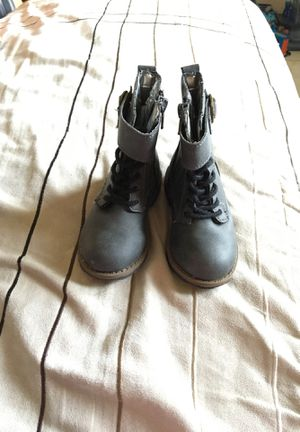 Boots for girl for Sale in Bloomington, CA