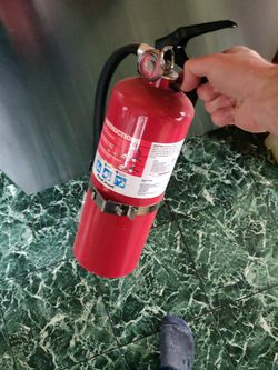 Free - Discharged Fire Extinguisher for Sale in Hoquiam,  WA