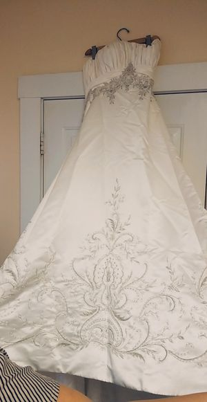 Wedding dress for Sale in Lawrence, MA