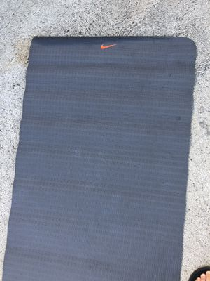 Nike yoga mat grey for Sale in Los Angeles, CA