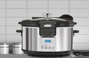 BELLA SLOW COOKER LINEA COLLECTION 5 QT PROGRAMMABLE for Sale in Auburn, WA