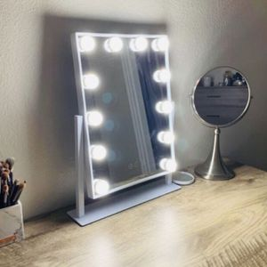 Vanity Mirror With Lights for Sale in Huntington Beach, CA