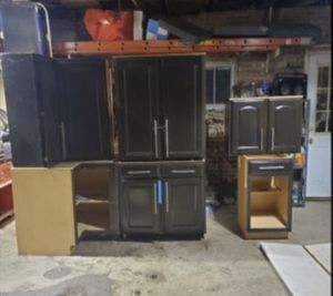 Like new Kitchen cabinets !! for Sale in Chicago, IL