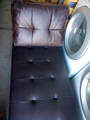 Brown pleather futon recliner for Sale in Rancho Cucamonga, CA