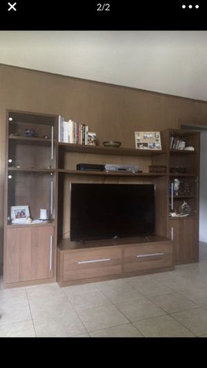 TV STAND WITH BOOKSHELVES for Sale in Houston, TX
