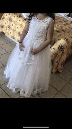 Beautiful white dress for Sale in Phoenix,  AZ