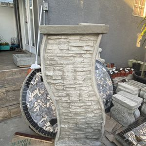 Stone Design Water Fountain for Sale in Long Beach, CA