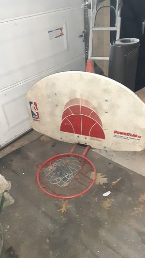 Basketball hoop and backboard for Sale in New Haven, CT