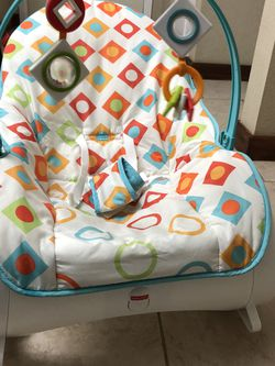 Fisher-Price Everything Baby Infant-to-Toddler Rocker for Sale in Bellevue,  WA