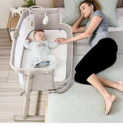 Bedside Sleeper For Infant for Sale in Wenatchee,  WA