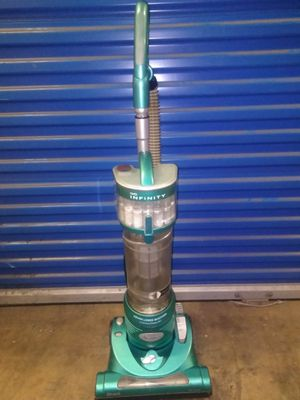 Nice Vaccum cleaner pick up only first come first serve no holds price firm for Sale in Philadelphia, PA