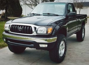 TOYOTA TACOMA 2001 very well maintained for Sale in Cleveland, OH