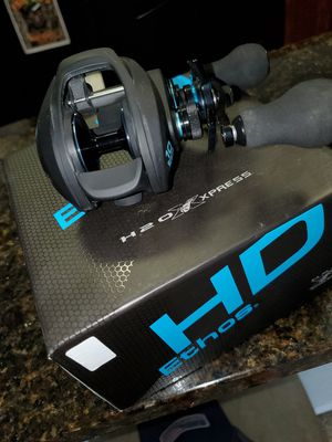 H20 express right handed 10 ball brings ! for Sale in Houston, TX