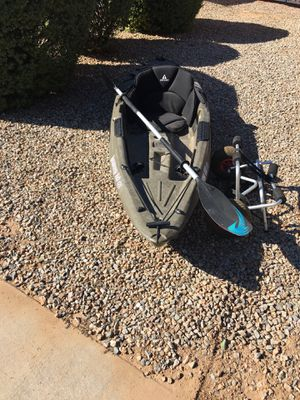 Sun Dolphin Kayak w/paddle, seat pad, and cart for Sale in Sun City, AZ