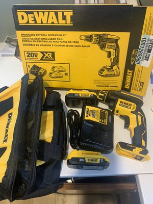 Dewalt 20-Volt XR Brushless Drywall Screw Gun Kit with (2) Batteries 2Ah, Charger and Bag for Sale in Bolingbrook, IL