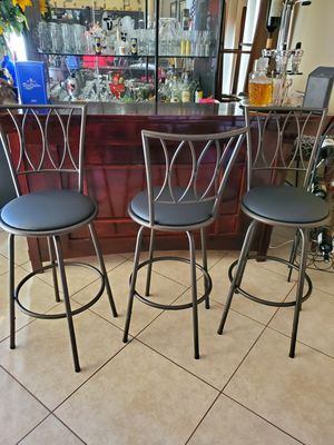 3 high bar stools for Sale in North Las Vegas, NV