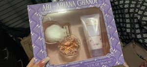 Ariana grande perfume for Sale in Kissimmee, FL