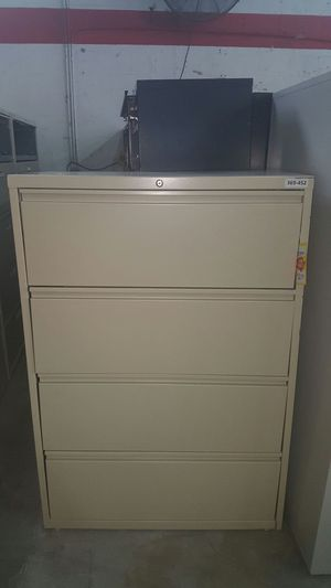 4 Drawer lateral file cabinet for Sale in Miami, FL
