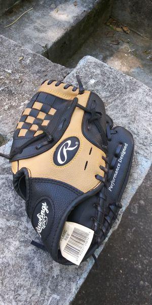 Baseball Glove for Sale in Douglasville, GA