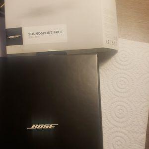 Bose Free Sundsport Wireless Earphones for Sale in Los Angeles, CA