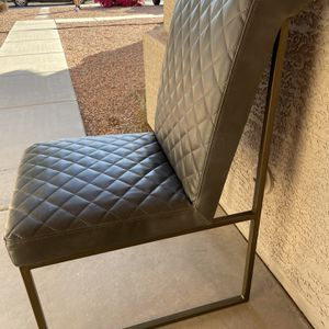 Vanity/accent chair (Gray) for Sale in Sun City, AZ