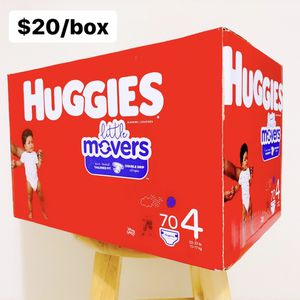 Size 4 (22-37 lbs) Huggies Little Movers (70 baby diapers) for Sale in Anaheim, CA