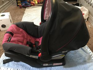 Graco Snugride 30 car seat for Sale in Bakersfield, CA