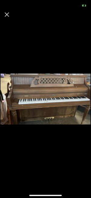 Rustic vintage piano for Sale in Gibsonton, FL
