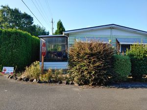 Mobile Home for Sale in Family Park $73,500 2 bed 2 bath Doublewide for Sale in Vancouver, WA
