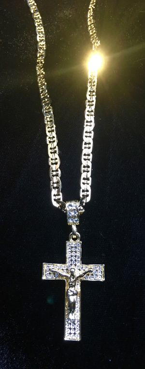 EXCLUSIVE CROSS 14K GOLD FULL DIAMONDS CZ NEW CHAIN MADE IN ITALY! for Sale in Orlando, FL