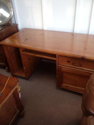 Hard wood computer desk for Sale in San Jose, CA