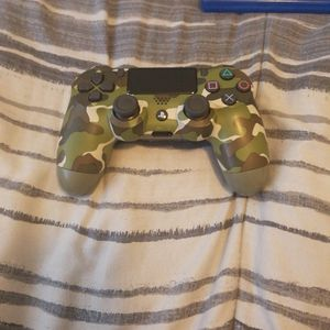 Ps4 Controller and Call Of Duty for Sale in Hollywood, FL