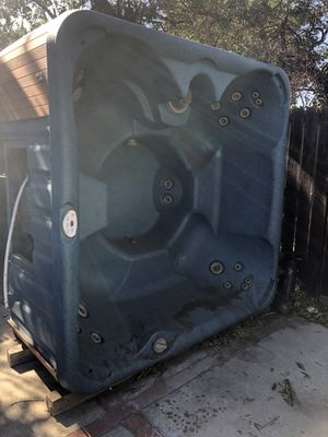 Hot tub for Sale in Lake View Terrace, CA