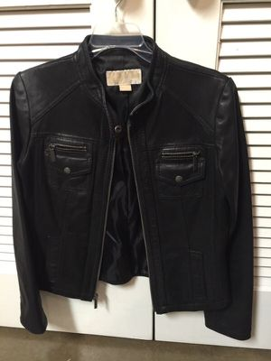 Michael kors real leather coat for Sale in Dallas, TX