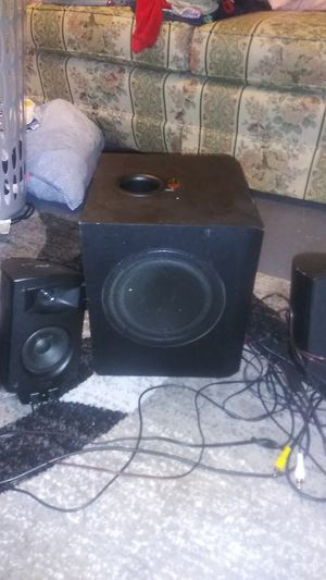 Klipsch sub woofer and speakers for Sale in Middleburg Heights, OH