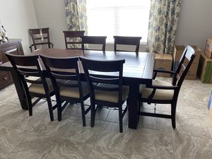 Table Dining Room with Eight Chairs for Sale in Gilbert, AZ