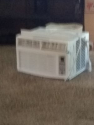 Small air conditioner,works great,bought in September, almost new for Sale in Puyallup, WA