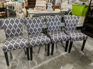 4 dining chairs for Sale in Raleigh, NC