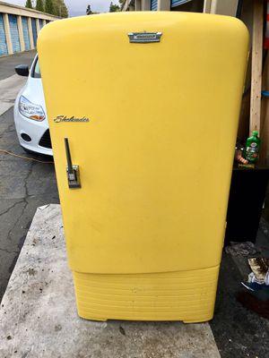 !!Working!! Crosley Shelvador Vintage 50's Refrigerator for Sale in Fremont, CA