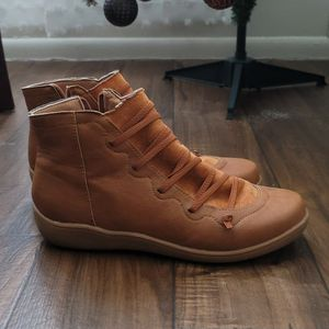 Womens Short Ankle Boots, Size 9 for Sale in West Jordan, UT