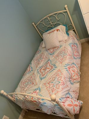 Twin Beds With Box Springs & Mattress And Dresser Bed Linens Also for Sale in Hendersonville, TN