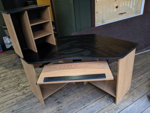 Computer desk FREE for Sale in Spanaway, WA
