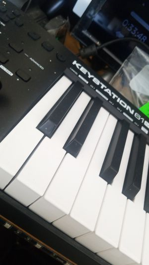 M-Audio Keystation 61MK3 | Compact Semi-Weighted 61-Key USB-Powered MIDI Keyboard Controller for Sale in Bellevue, WA