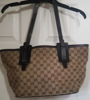 AUTHENTIC VINTAGE GUCCI TOTE STYLE HANDBAG for Sale in Croton-on-Hudson, NY